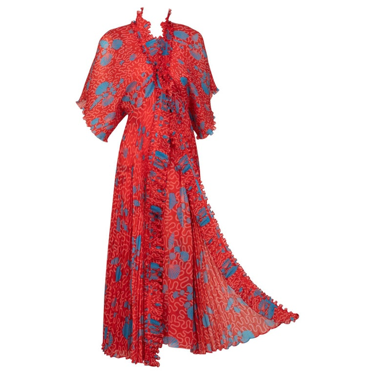 Zandra Rhodes Red Pleated Shell print Caftan and Sleeveless Dress Set, 1970s For Sale