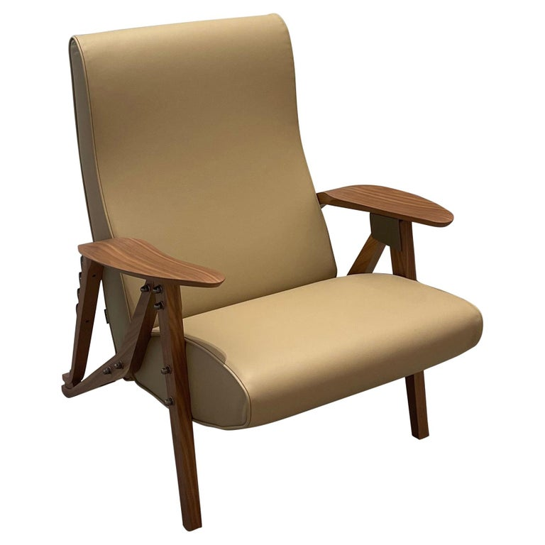 Zanotta Gilda Leather Lounge Recliner  Homage to Carlo Mollino For Sale