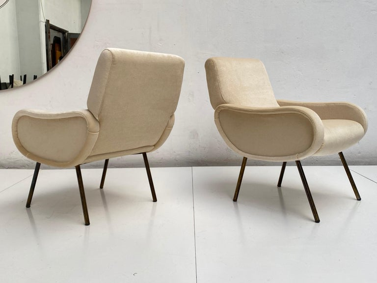Hand-Crafted Zanuso Mohair 'Baby' Lounge Chairs, Early Wood Frames, Brass Legs, Arflex, 1951 For Sale