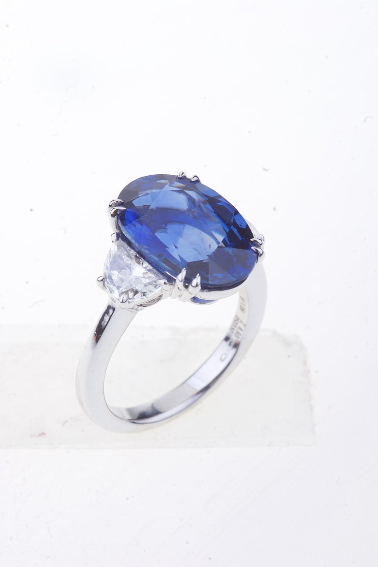 Oval Cut Sapphire Ring White Gold with Diamonds, with Certificate For Sale