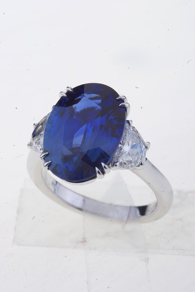 Sapphire Ring White Gold with Diamonds, with Certificate In New Condition For Sale In Roma, IT