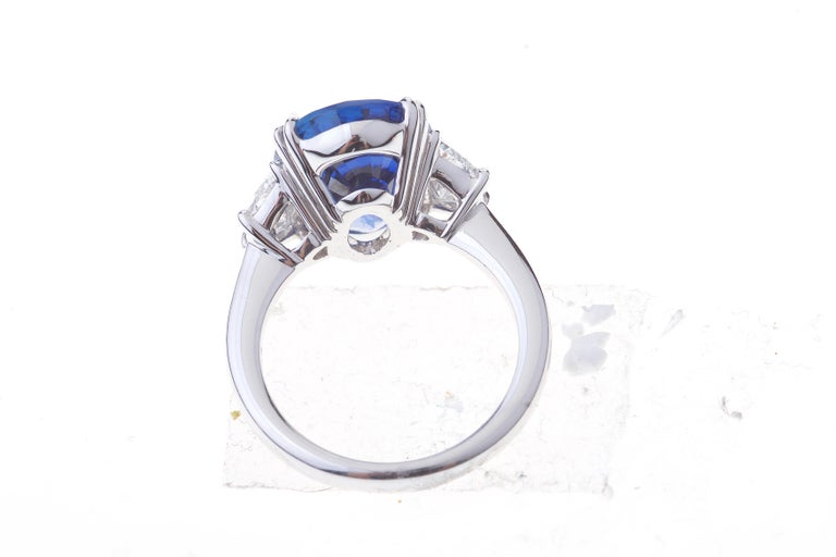 Women's Sapphire Ring White Gold with Diamonds, with Certificate For Sale