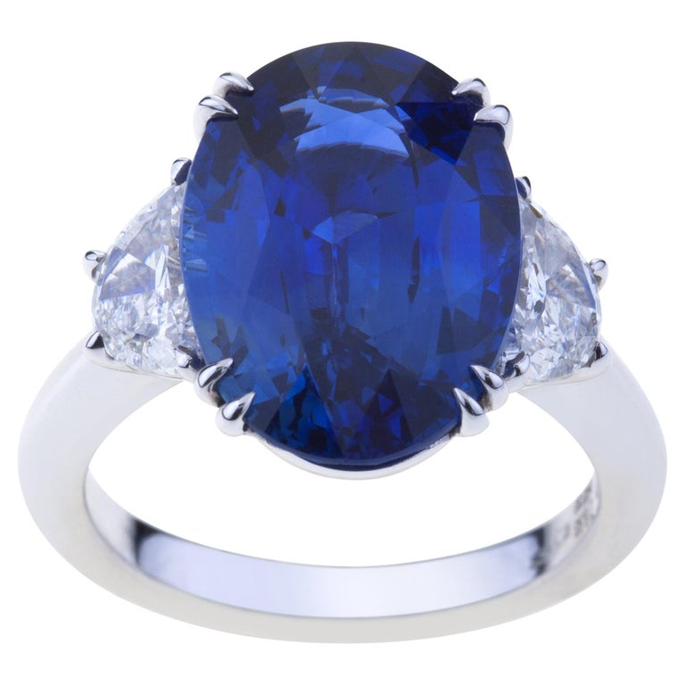 Sapphire Ring White Gold with Diamonds, with Certificate For Sale