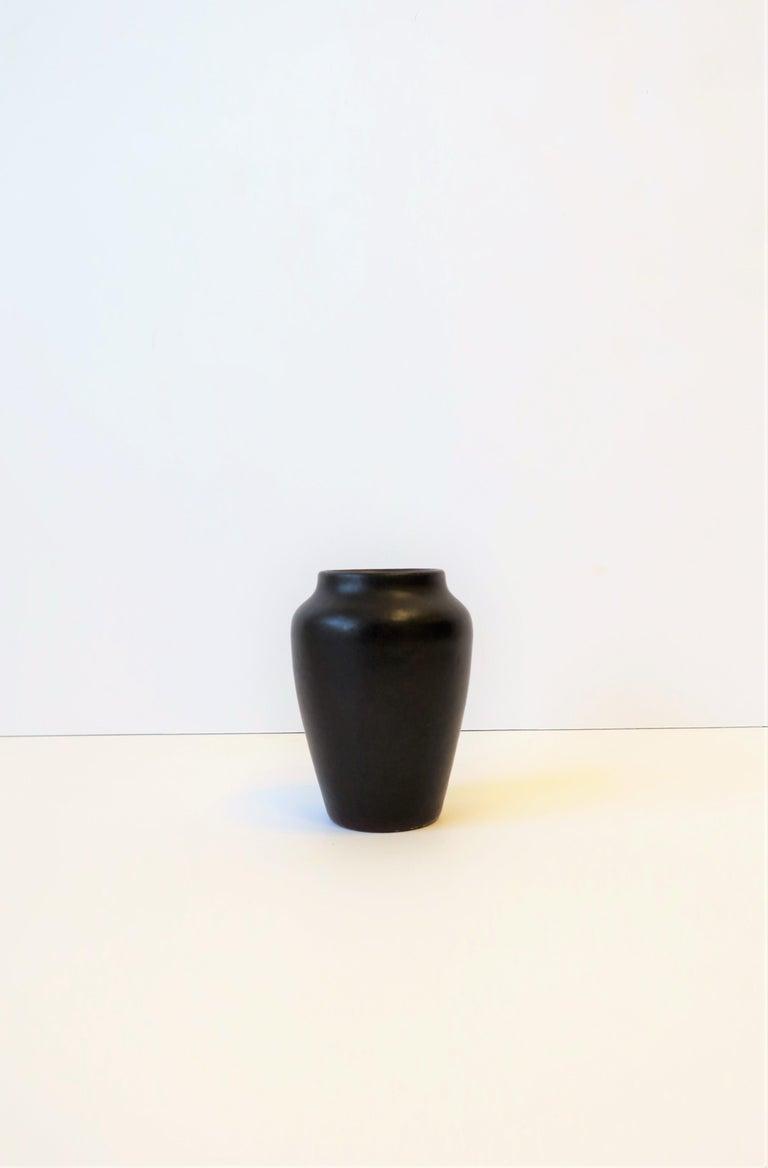 Arts and Crafts Zark Arts & Crafts Matte Pottery Vase For Sale