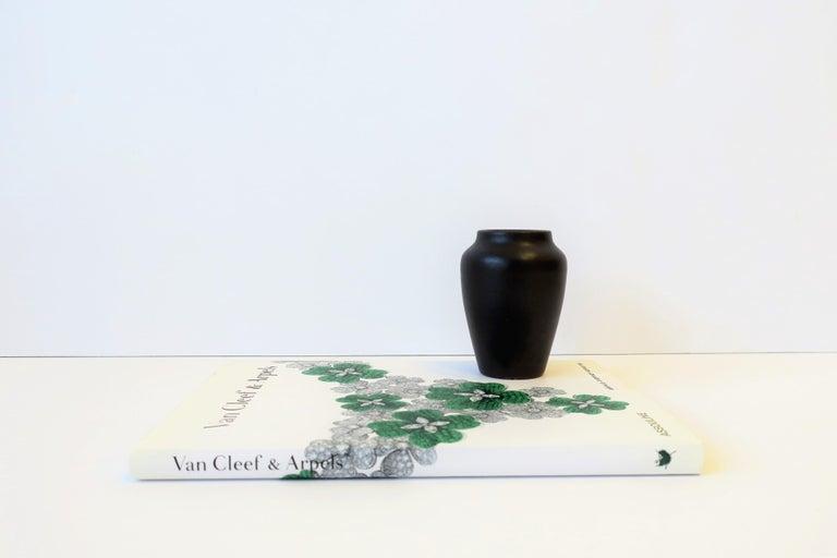 20th Century Zark Arts & Crafts Matte Pottery Vase For Sale