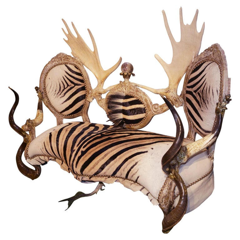 Zebra with Médaillons Sofa For Sale