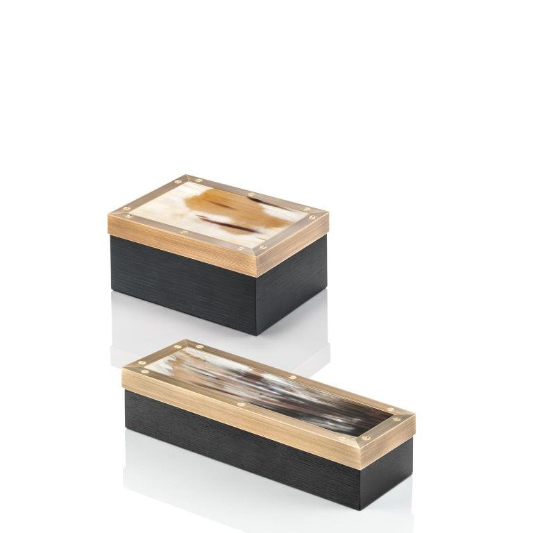Contemporary Zefiro Box in Black Oak, Matte Corno Italiano and Burnished Brass, Mod. 5267 For Sale
