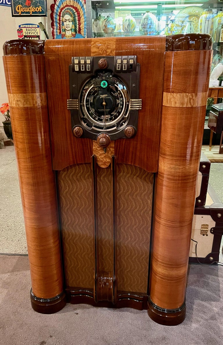 Zenith Art Deco Radio Shutter Dial 9S365 Stars and Bars Tube with Bluetooth In Good Condition For Sale In Oakland, CA