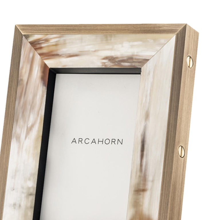 Zeno Picture Frame in Corno Italiano and Black Oak Wood, Mod. 5253 In New Condition For Sale In Recanati, Macerata