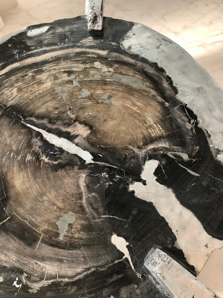 Zinc Decay of Time Circular Coffee Table In New Condition For Sale In Coral Gables, FL