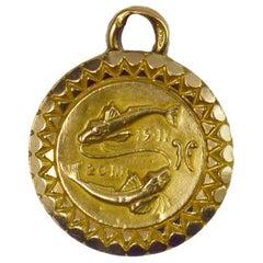 Zodiac Pisces 18 Karat Yellow Gold Charm Pendant