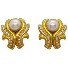 Zolotas 22 Karat & 24 Karat Yellow Gold, Mabe Pearl and Diamond Clip-On Earrings