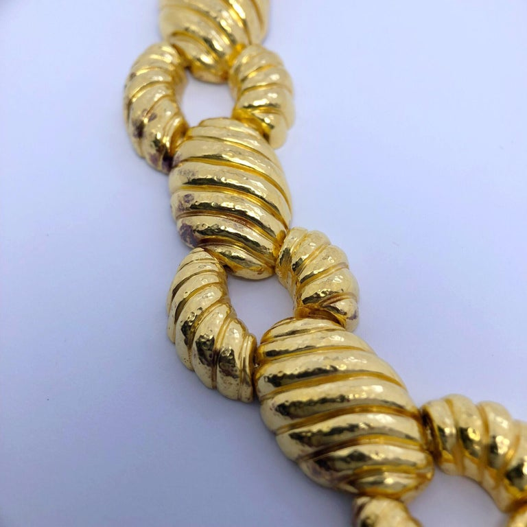 Greek Revival Zolotas 22 Karat Yellow Gold Handcrafted Ribbed Oval and Links Necklace For Sale