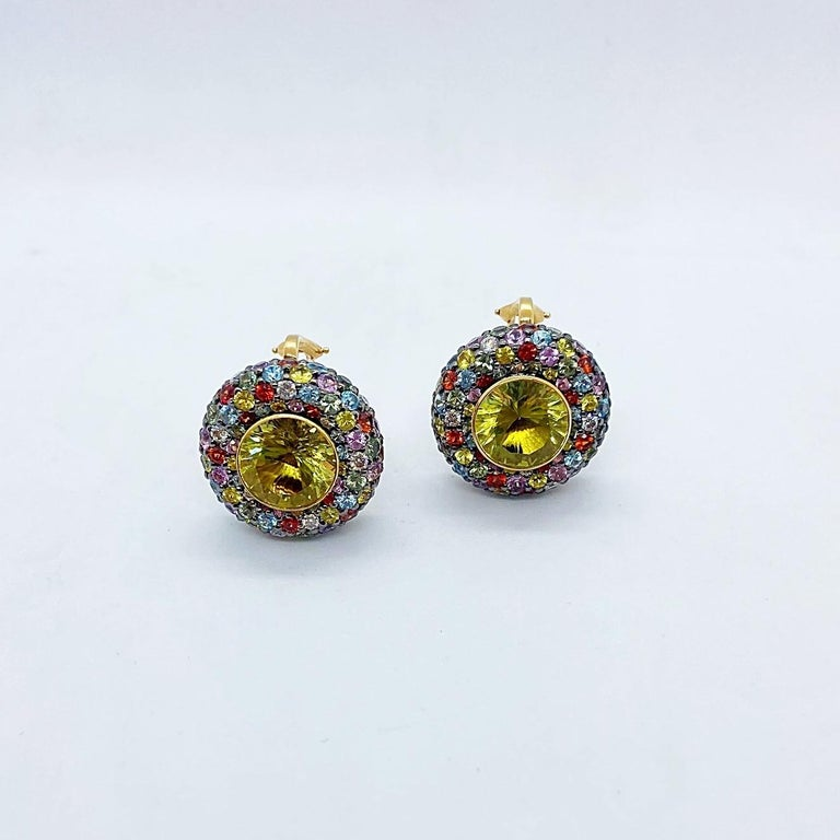 Zorab 18 KT Yellow Gold Earrings with Scapolite Centers & Multicolored Sapphires In New Condition For Sale In New York, NY