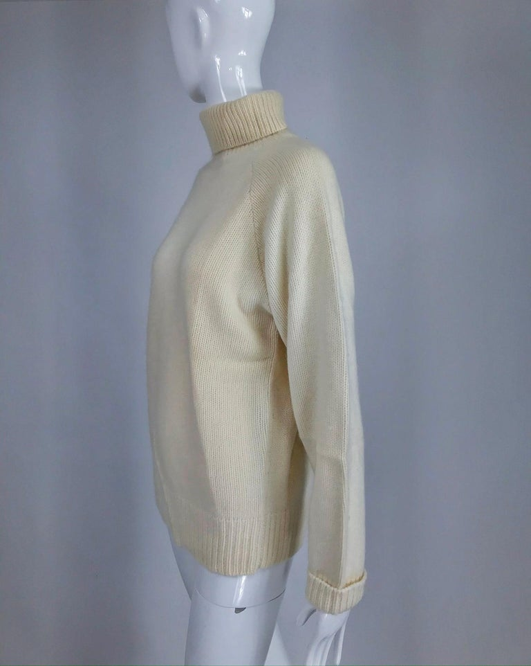 Gray Zoran Off White Chunky Cashmere Turtleneck Sweater 1990s For Sale