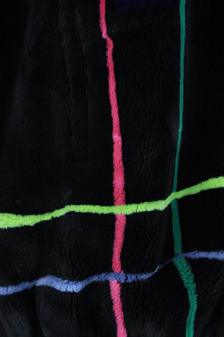 Zuki Black with Multicolor Line Pattern Sheared Beaver Fur Coat For Sale 3