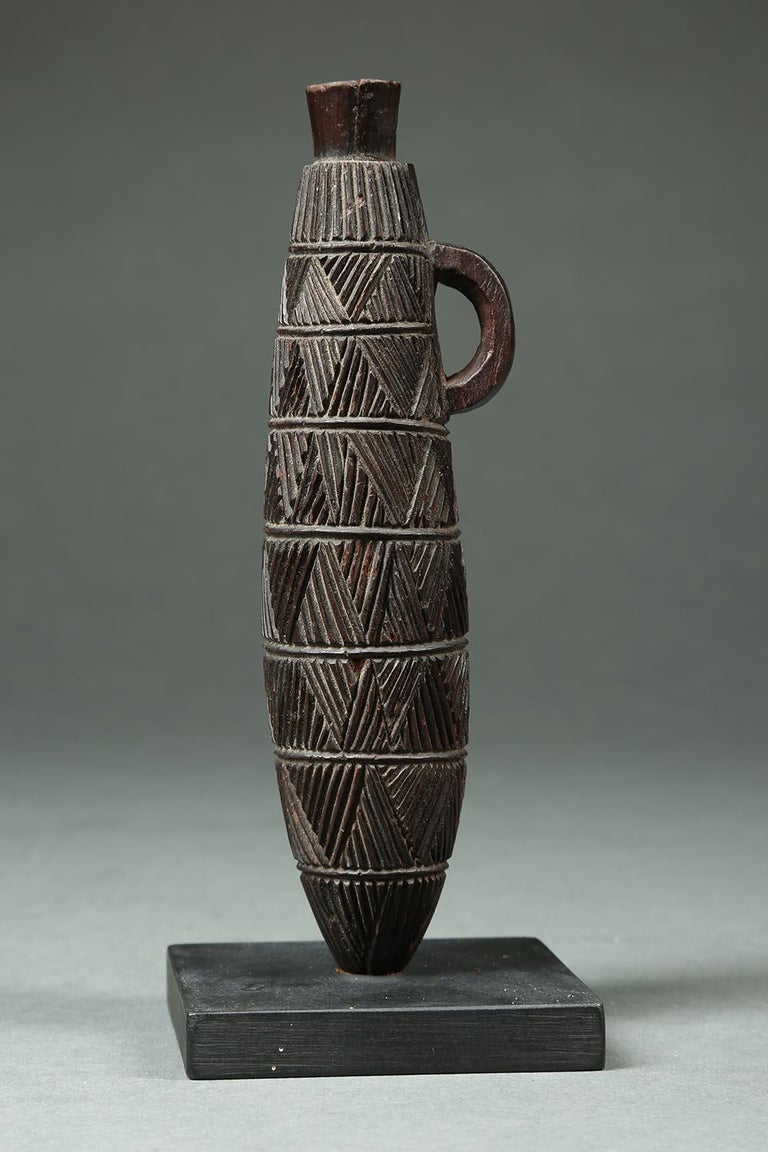 Zulu Tribal Carved Wood Snuff Container, South Africa In Good Condition For Sale In Point Richmond, CA
